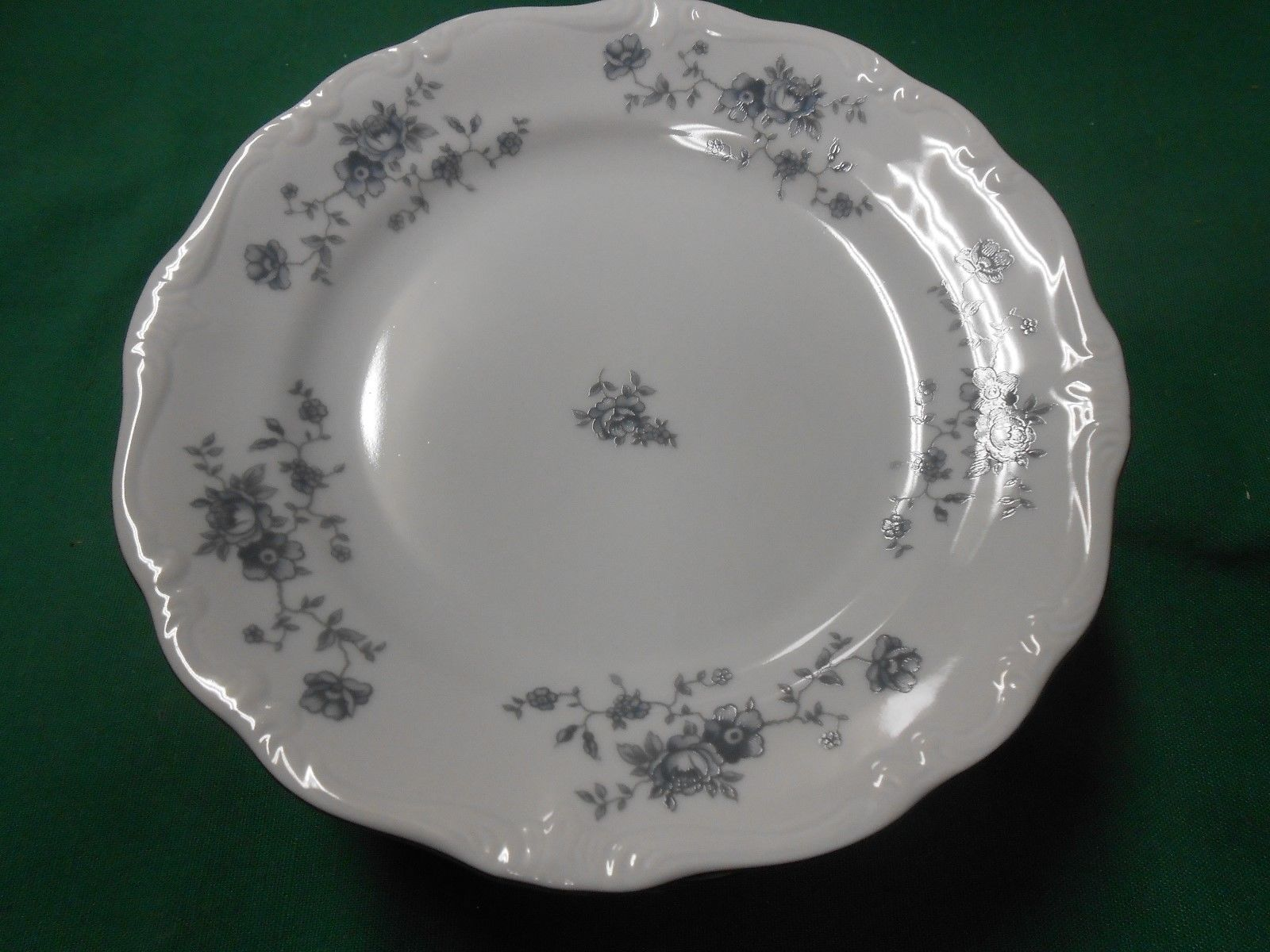 "JOHANN HAVILAND .."" BLUE GARLAND"" -Set of 8 BREAD Plates..Made in Thailand"