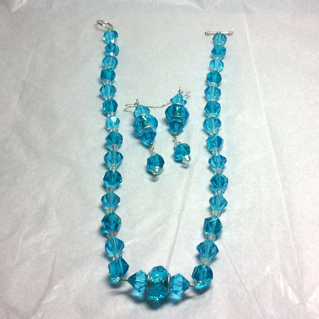 Blue Crystal and Glass Strung Necklace set w/ Wire Wrapped Acrylic Center