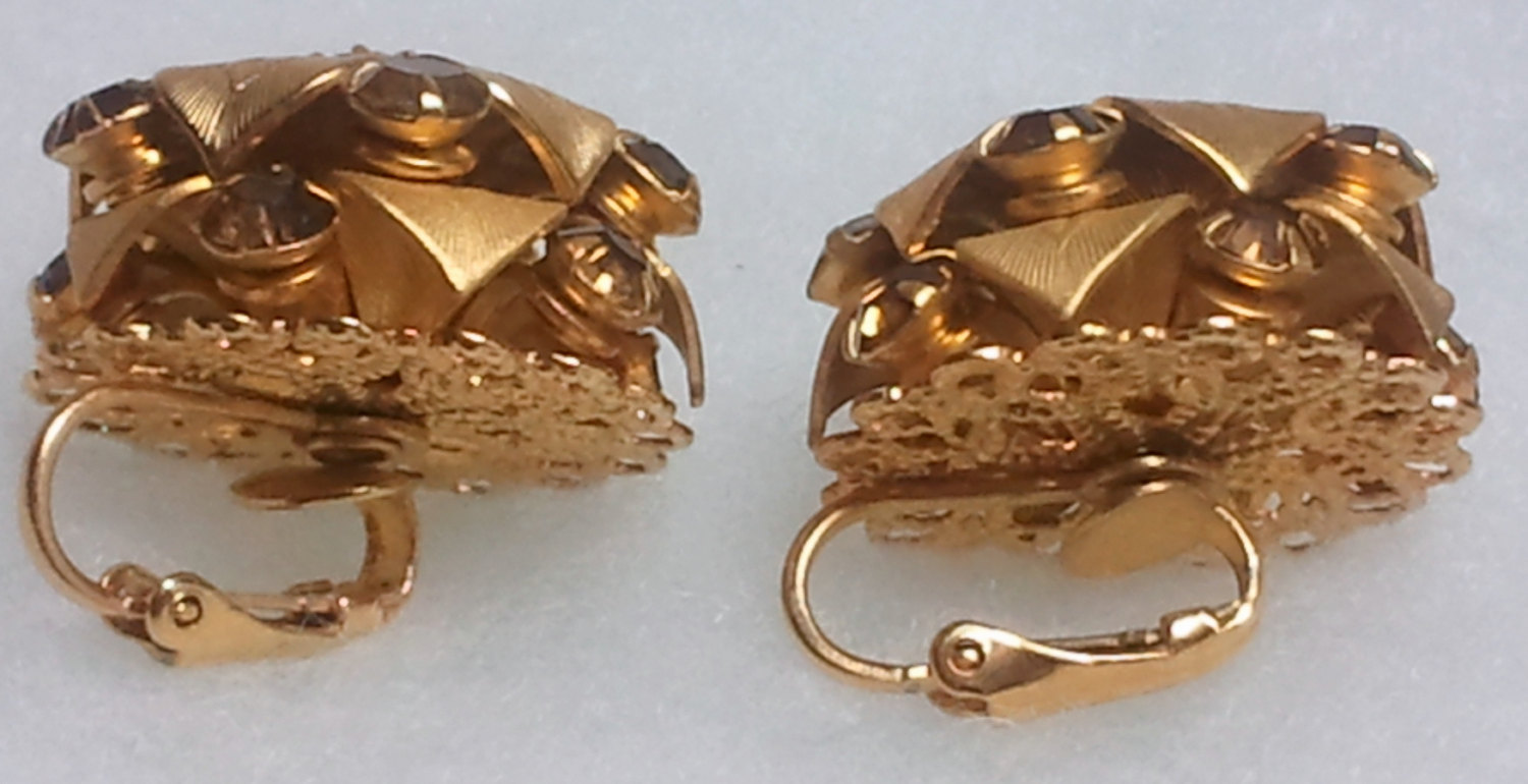 Vintage Gold Toned Clip on Leaf Themed Earrings with Topaz Colored Rhinestones