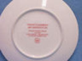 1991 Christmas Avon Plate Perfect Harmony Carolers 22 K Gold w/ Bonus Scarf image 3