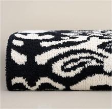 Kashwere Damask Black and Malt Throw Blanket - €144,02 EUR