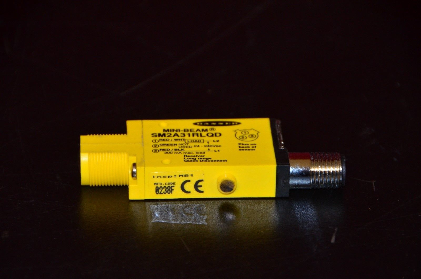 Banner Engineering SM2A31RLQD MINI-BEAM Photoelectric Sensor