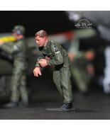 USAF Ground Crew Support in Airfield 1:48 Pro Built Model #8 - $14.85
