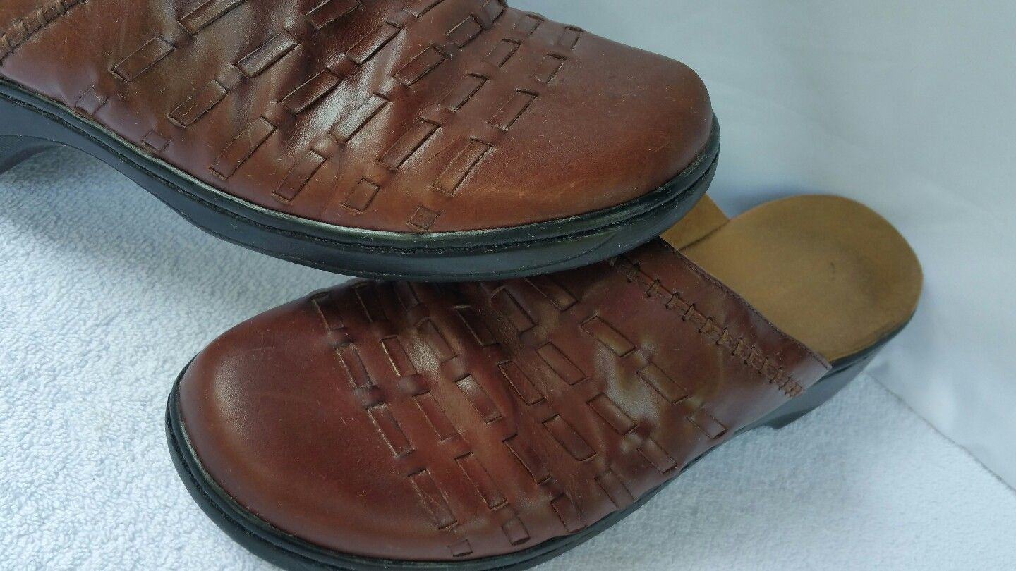 Clarks Collection Leather Soft Cushion Slip On Women's Shoes Siz 11 M Red Brown