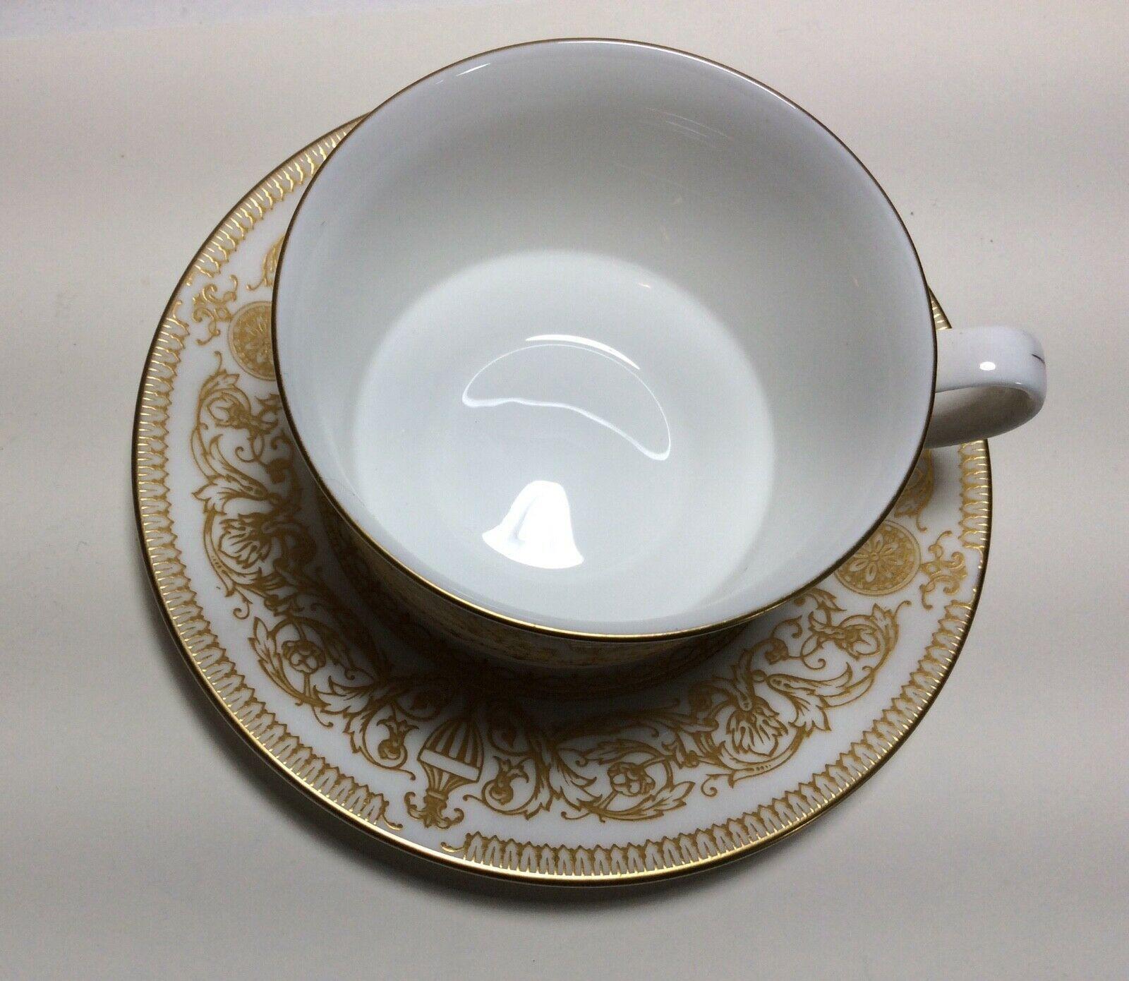 Royal Worcester Hyde Park Tea Cup & Saucer Set s image 2