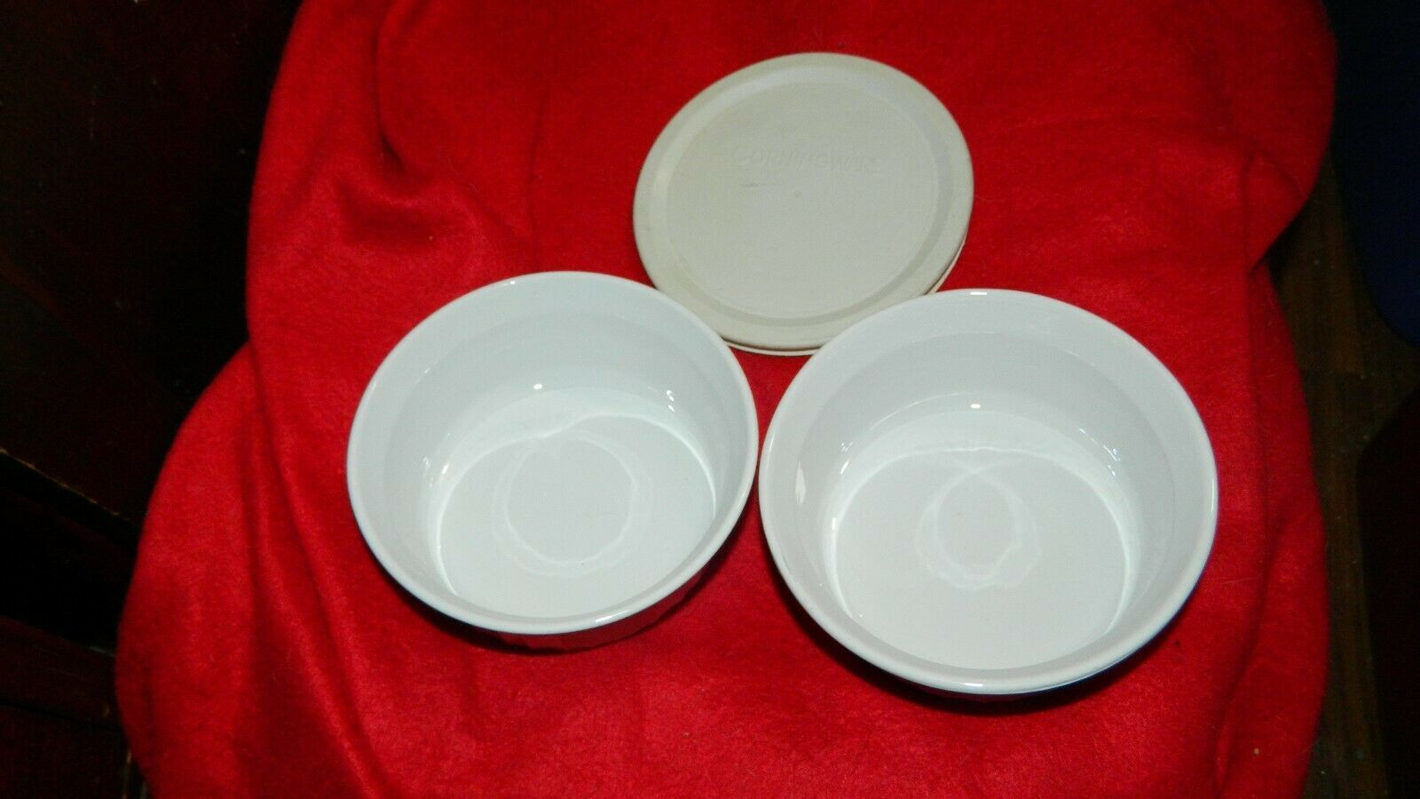 Primary image for CORNING WARE F-16-B ROUND 16 OUNCE CASSEROLE DISH x 2 + 1 LID FREE USA SHIP