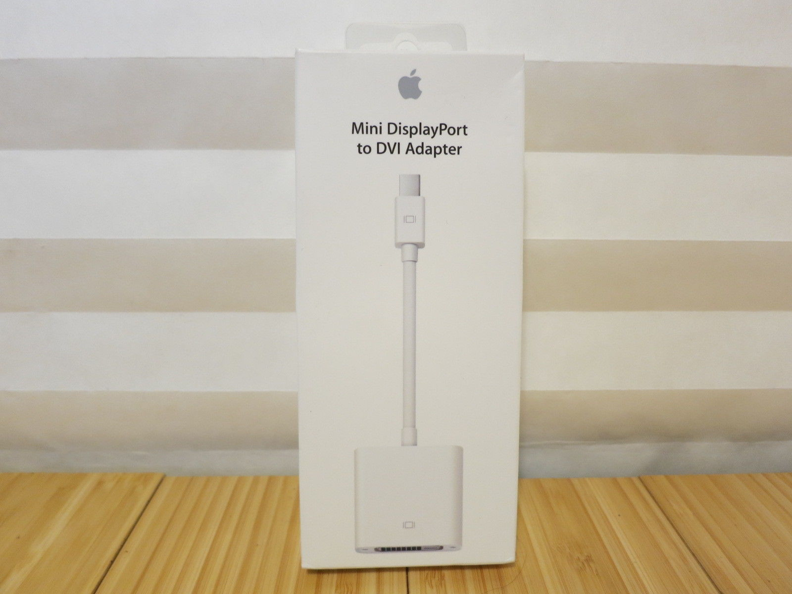 BRAND NEW SEALED GENUINE Apple Mini DisplayPort to VGA AdapterMB572Z//A A1307