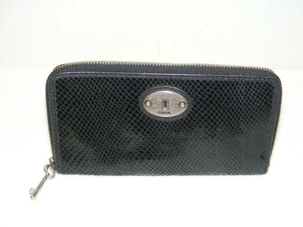 FOSSIL BLACK REPTILE EMBOSSED LEATHER ZIP AROUND CLUTCH WALLET GUC