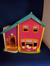 Polly Pocket Magnetic Hanging Out Doll House With Elevator Mattel 2002 C... - $15.00