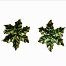 Vintage Christmas Holly Earrings Leaf Celluloid Plastic Clip On Wreath H... - $10.99
