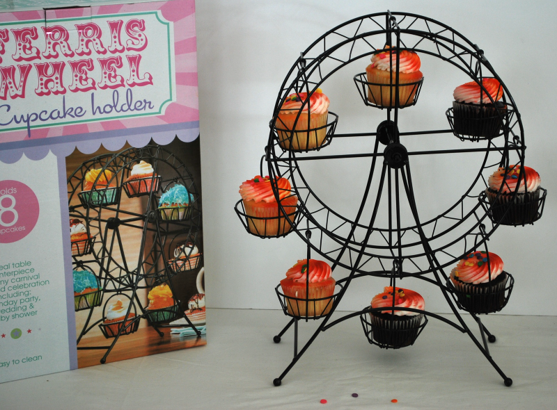 (NIB) Metal Ferris Wheel Cupcake Holder