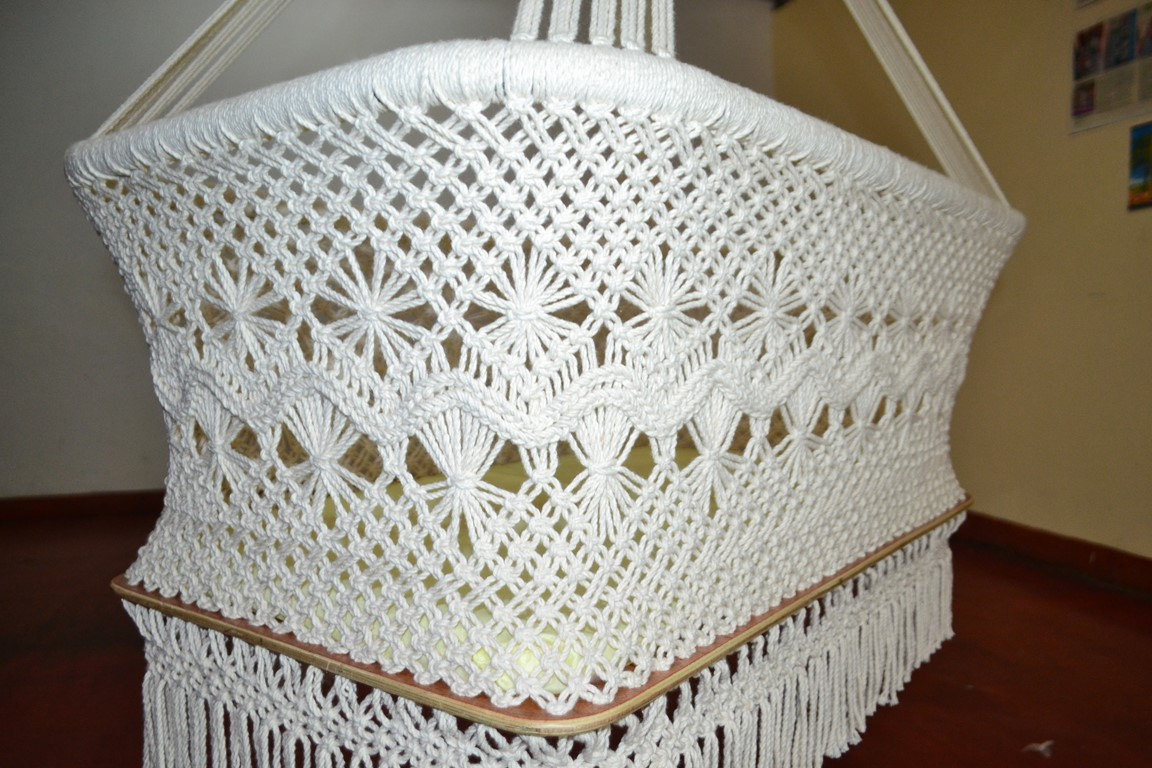 Organic baby crib cradle hanging bassinet with macrame for Diy macrame baby swing
