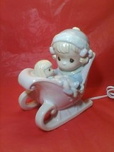 PRECIOUS MOMENTS 7X7X4 GIRL IN SLEIGH W DOLL PL... - $9.05