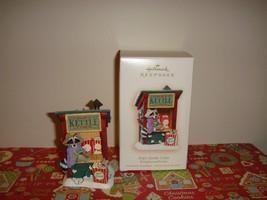 Hallmark 2007 Pops Kettle Corn Kringlewood Farms Ornament - $12.69