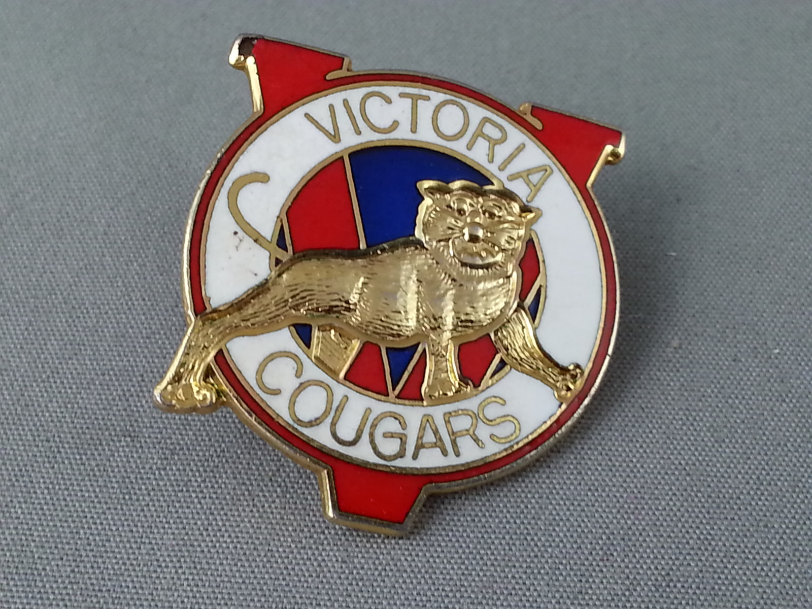 Primary image for Rare - Victoria Cougars Pin - Western Hockey League - From 1987