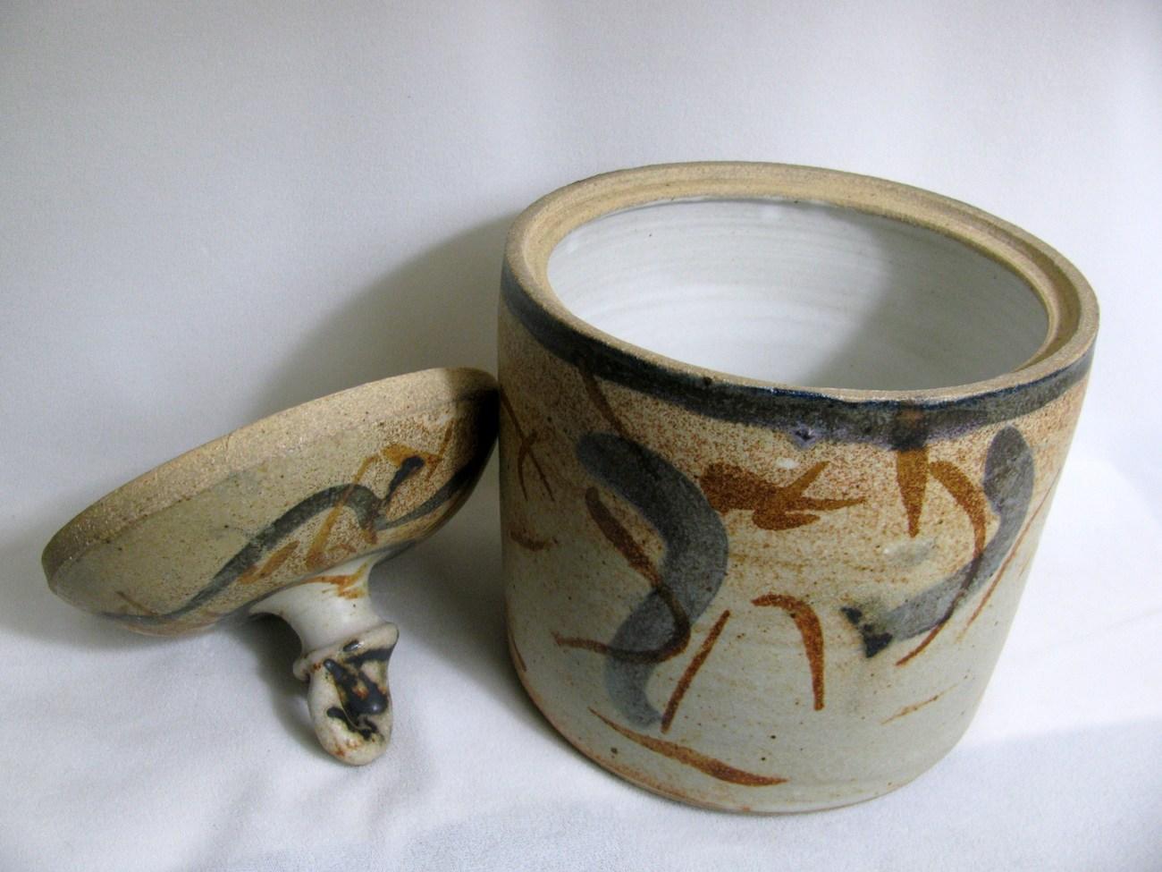 Beige Lidded Stoneware Jar RKC066
