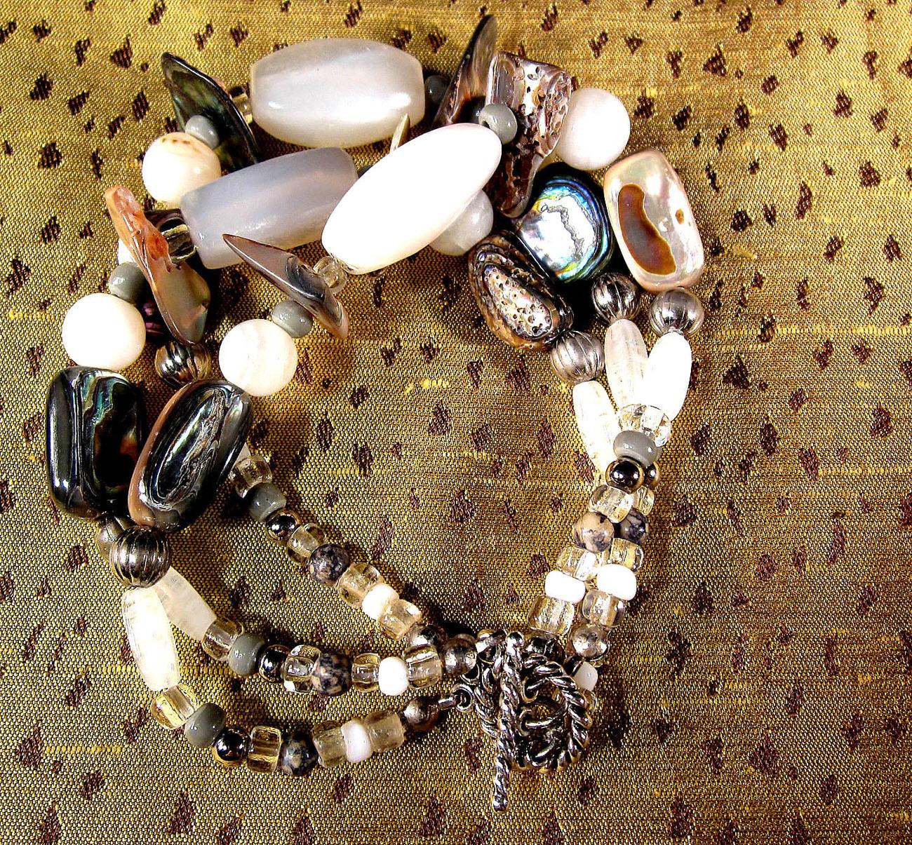 Original bracelet art to wear by Michael tarilllion