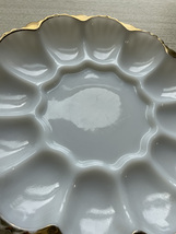 Vintage 50/60s Anchor Hocking Fire King 22kt gold trimmed Egg Platter image 4