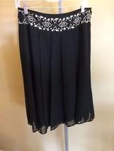 Worthington Women's Black Gored Gold Sequin Skirt Size 6 - $7.70