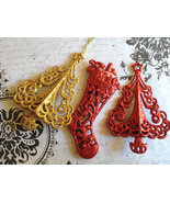 Lot of 3 Christmas Ornaments Resin Gold Tree Re... - $5.00