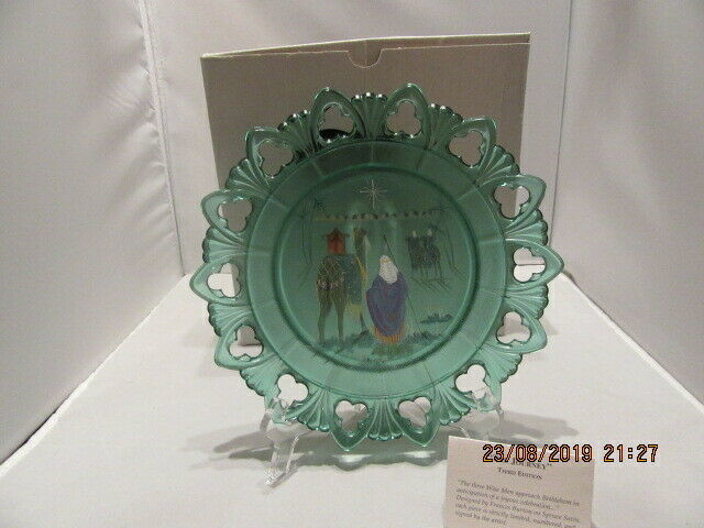 Primary image for FENTON ART GLASS 1998 BIRTH OF A SAVIOR CHRISTMAS COLLECTION 2000 NATIVITY PLATE