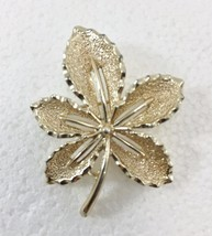 """Sarah Coventry Silvertone Leaf Pin Brooch Vintage 1.5"""" wide 2"""" high - $24.01"""