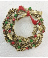 """Christmas Wreath Goldtone Pin Brooch Vintage 1.5"""" Round Red Green - $24.01"""