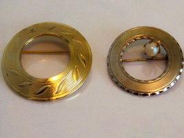 Vintage Round Brooch Set. Vintage Faux Pearl Brooch. - $13.00