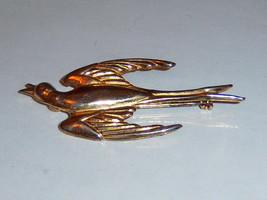 Vintage Coro Swallow Brooch. Vintage Coro Swift Brooch. Coro Bird Brooch. - $19.00