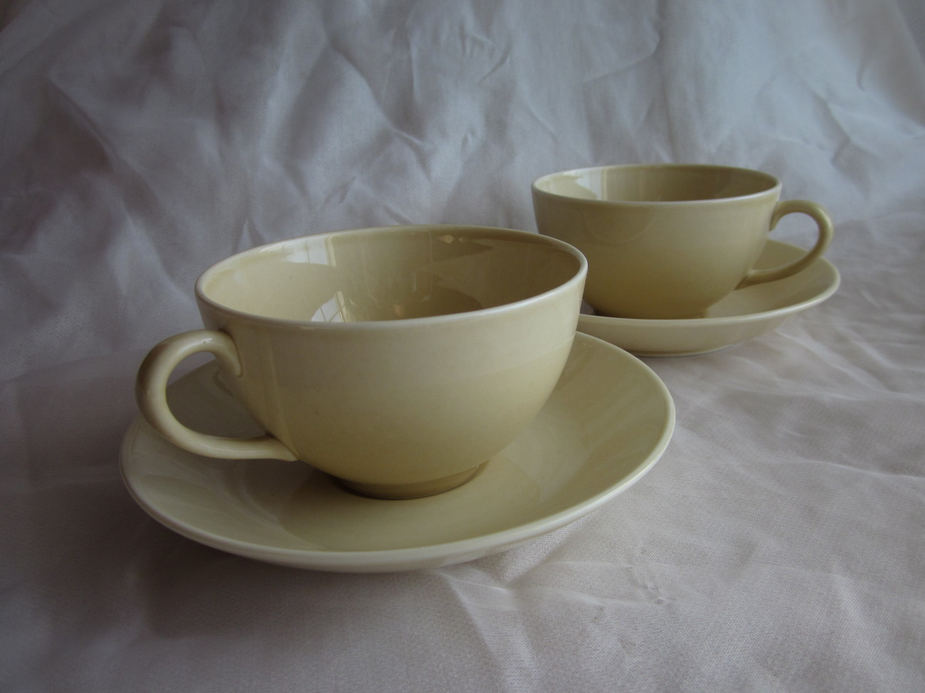 Lot of 2 Cups and 2 Saucers Gustafsberg 1996 Sweden Bone China
