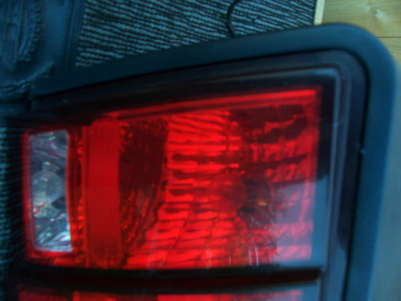 2004 2003 2002 01 2000 1999 MUSTANG RIGHT TAILLIGHT OEM USED ORIGINAL FORD PART