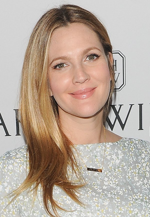 Fashion Charm Celebrity Drew Barrymore Bar Necklace In Yellow Gold Plated