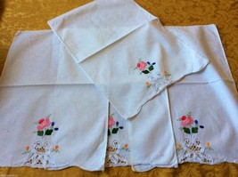 Set of 4 Placemats & Table runner towel appliqué Battenburg Embroidery Floral - $34.65