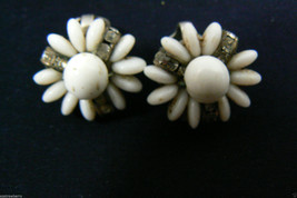 VINTAGE MILK GLASS AND CRYSTAL FLOWER CLIP ON EARRINGS image 2