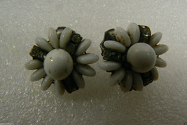 VINTAGE MILK GLASS AND CRYSTAL FLOWER CLIP ON EARRINGS image 4
