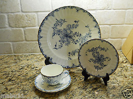 Royal Worcester Mansfield 4 Piece Place Setting blue white floral - $49.45