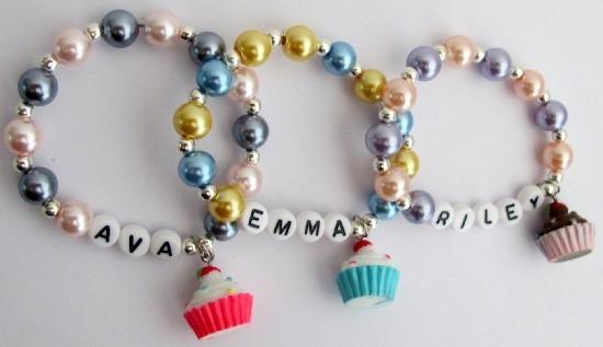 Cupcake Charm Bracelet Christmas Bracelet Return Birthday Gifts - $26.38