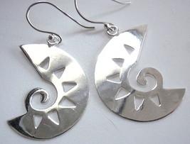 Tribal Art Style Dangle Earrings 925 Sterling Silver Corona Sun Jewelry - $13.21
