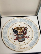 "AVON 1974 ""FREEDOM"" ENOCH WEDGEWOOD PATRIOTIC COLLECTOR PLATE - $7.43"