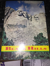 VINTAGE BLACK HILLS SOUTH DAKATO PLASTICHROME BOOKLET - $8.87