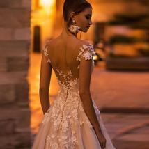 Vogue Fashion Pearl Appliques Lace Floral O-neck Cap Sleeve Backless Bridal Gown image 3