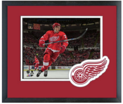 Dylan Larkin 2015-16 Detroit Red Wings -11 x 14 Team Logo Matte/Framed Photo - $43.55