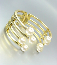 STYLISH & ELEGANT Designer Style Creme Pearls Gold Metal Hinged Cuff Bra... - $17.99