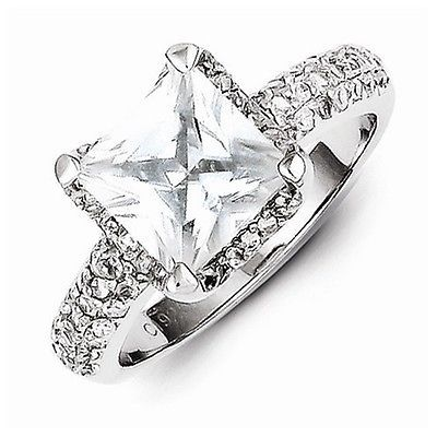 BEAUTIFUL STERLING SILVER SQUARE STONE  CZ RING - SIZE 6