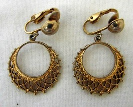 Dangle Clip On Back Earrings Costume Fashion Gold Plated Web Weave Vintage - $19.57