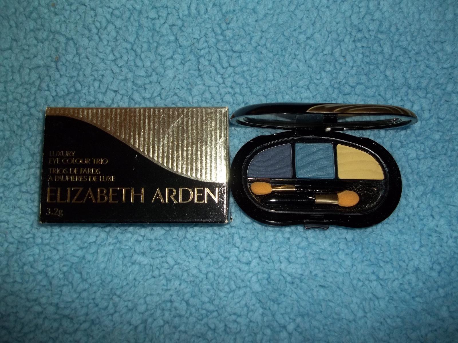 Elisabeth Arden Luxury Eye Color Trio Art Deco Shadows. Full Size - $12.99