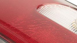 96-97 Toyota Corolla Sedan Tail Light Center Reflector Panel Garnish Heckblende image 4