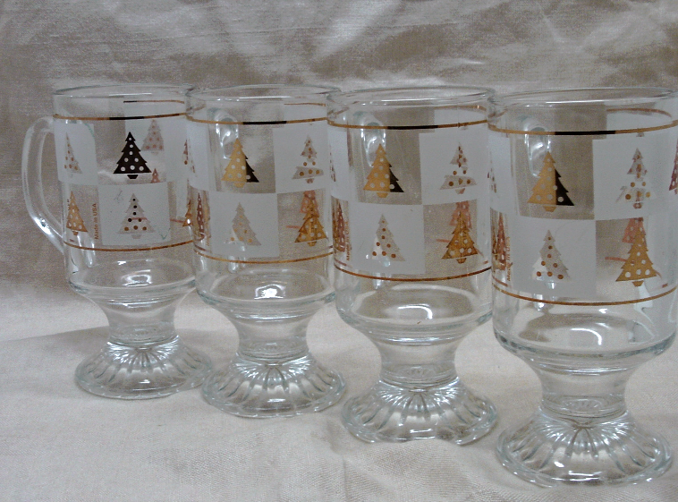 Vintage Culver Christmas Mugs - Four - signed - pattern GOLD SPRUCE -