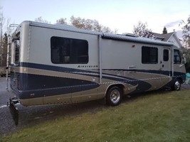 2005 Airstream Land Yacht For Sale in Edson, AB T7E1V4 image 2