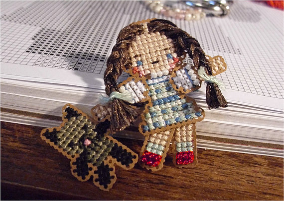 Spirit Of Oz Santa Ornament Chartpack cross stitch Brooke's Books